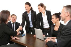 営業の女性の商談成立