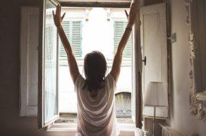 シルクのパジャマ出迎える快適な朝